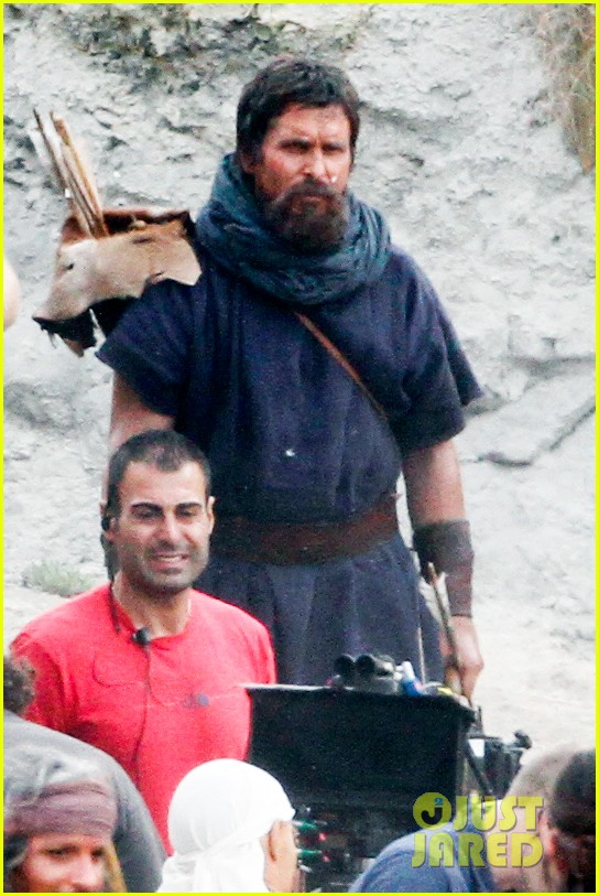 christian bale rocks beard wears tunic for exodus 022977058