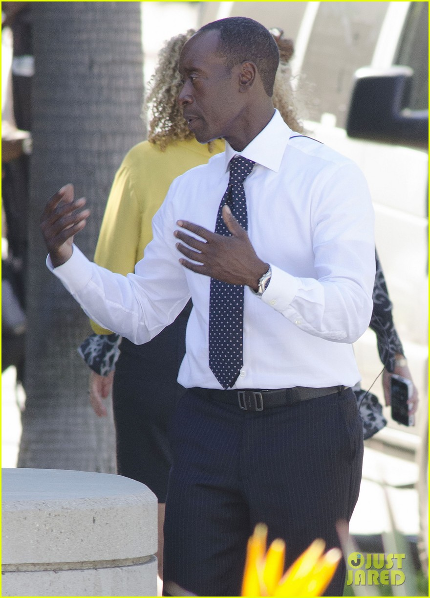 kristen bell films house of lies alongside don cheadle 02