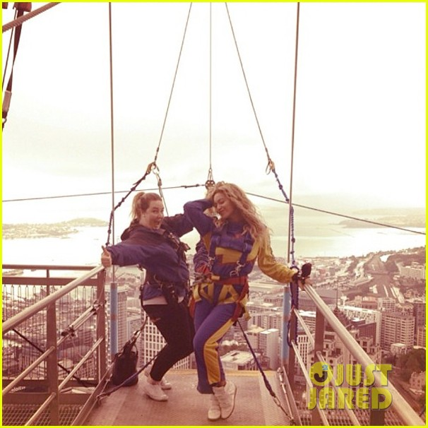 beyonce takes freefall jump watch now 012979182