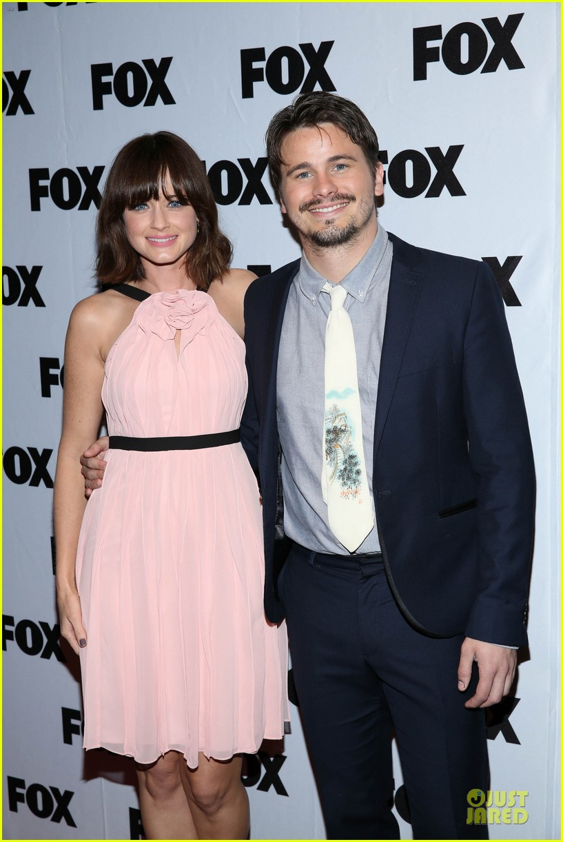 alexis bledel jason ritter us them nyc screening 022977305