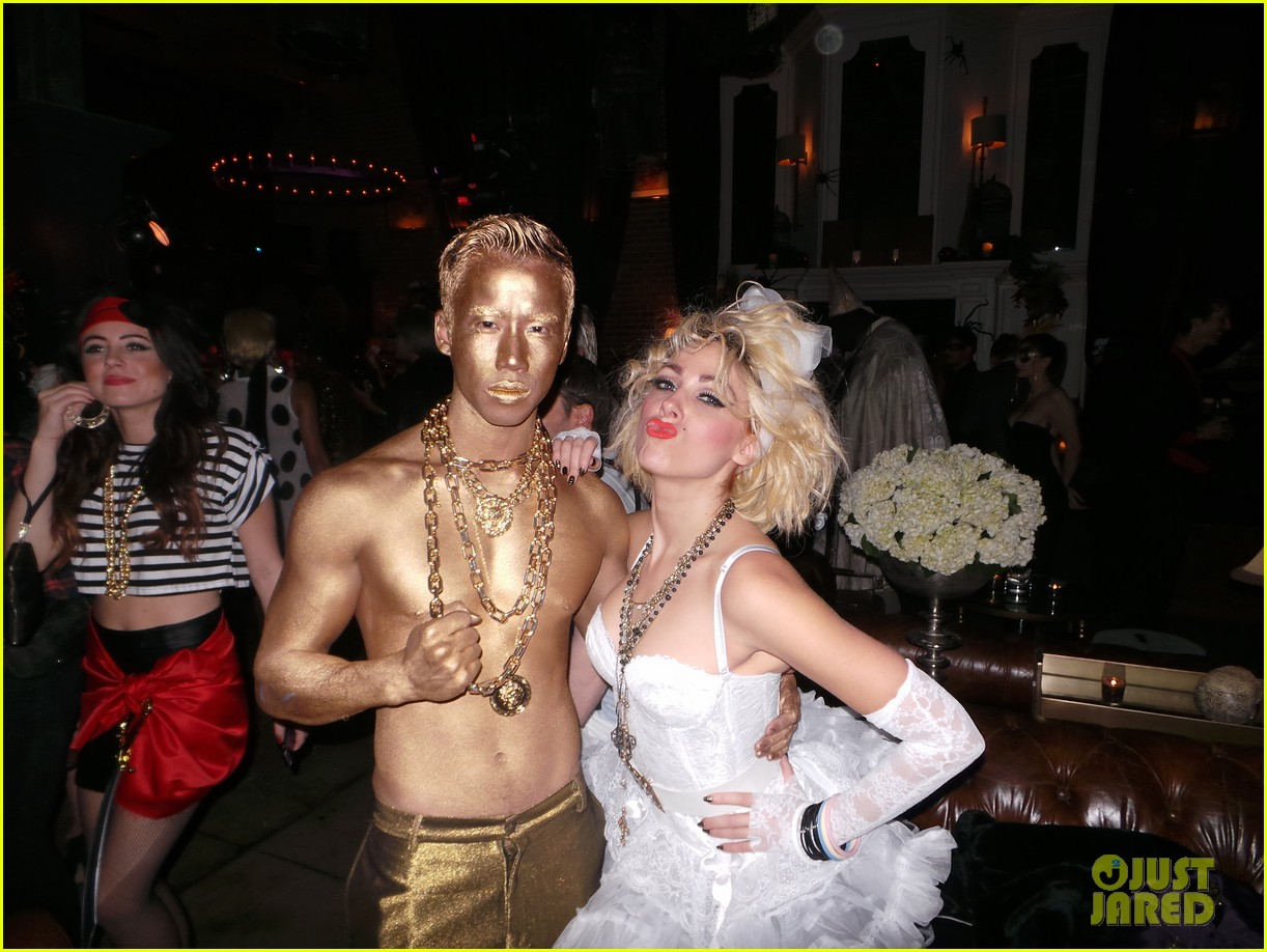 bonnie mckee jc chasez matthew morrison halloween party 012981308