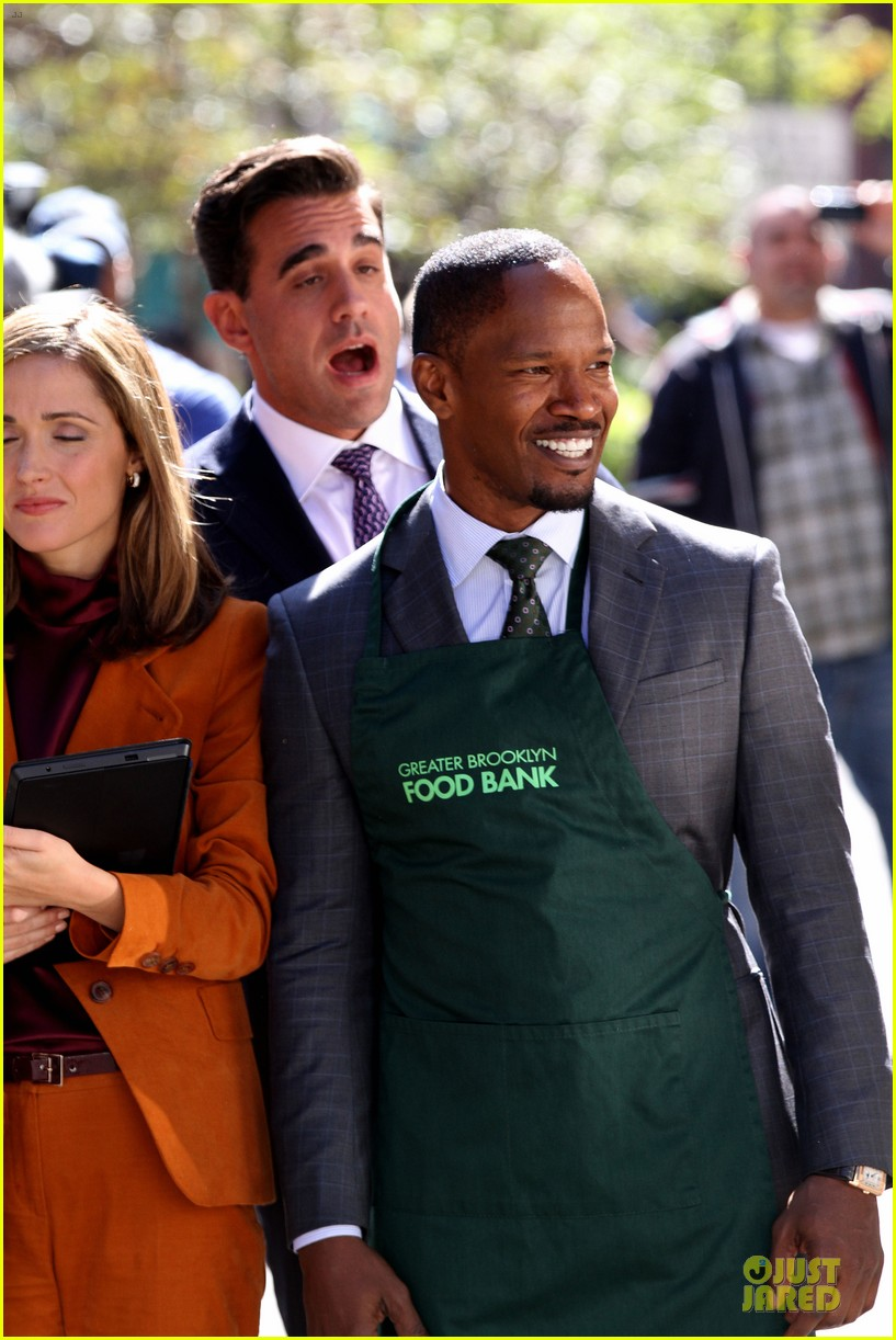 rose byrne bobby cannavale annie set with jamie foxx 07