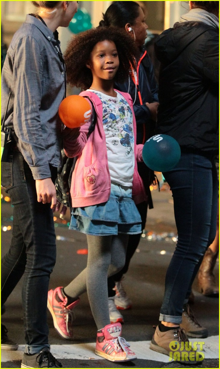 rose byrne quvenzhane wallis film annie before weekend 292975479