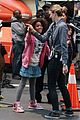 rose byrne quvenzhane wallis film annie before weekend 18