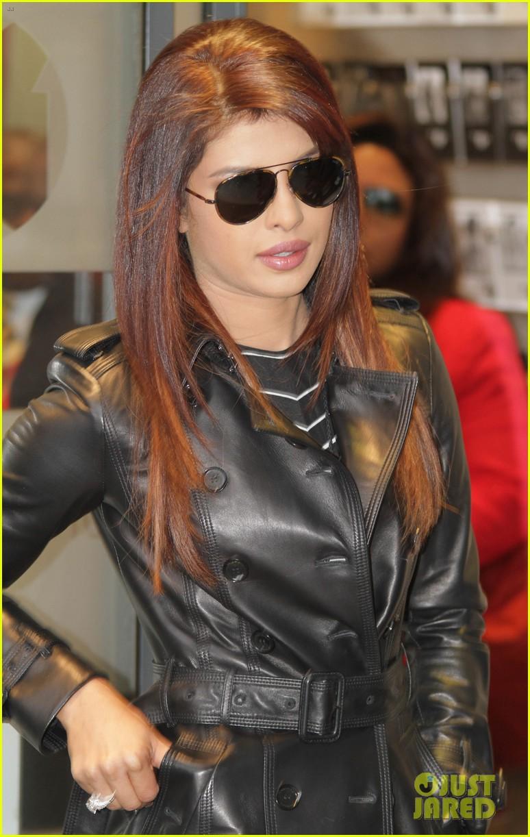 priyanka chopra promotes bollywood film krrish 3 in london 01