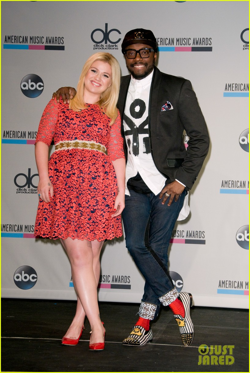 kelly clarkson william announce american music awards nominations 102969621