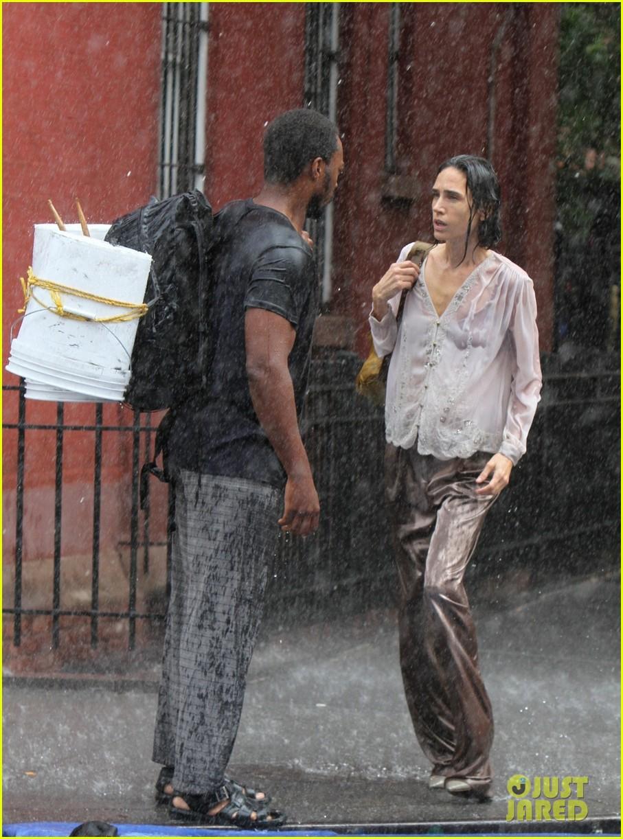 jennifer connelly braves rain for shelter stunt work 03