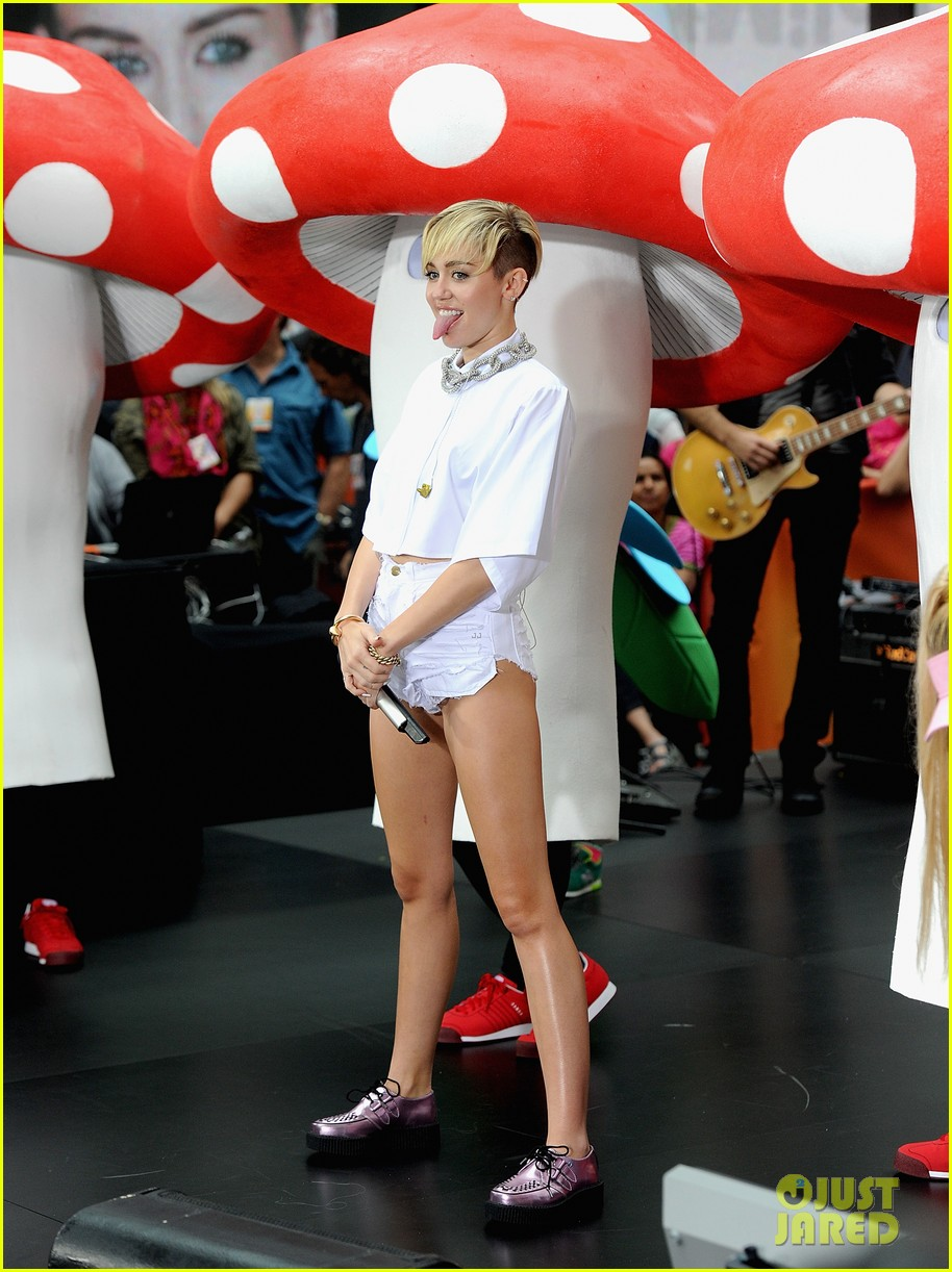 miley cyrus today show performance videos pics 03