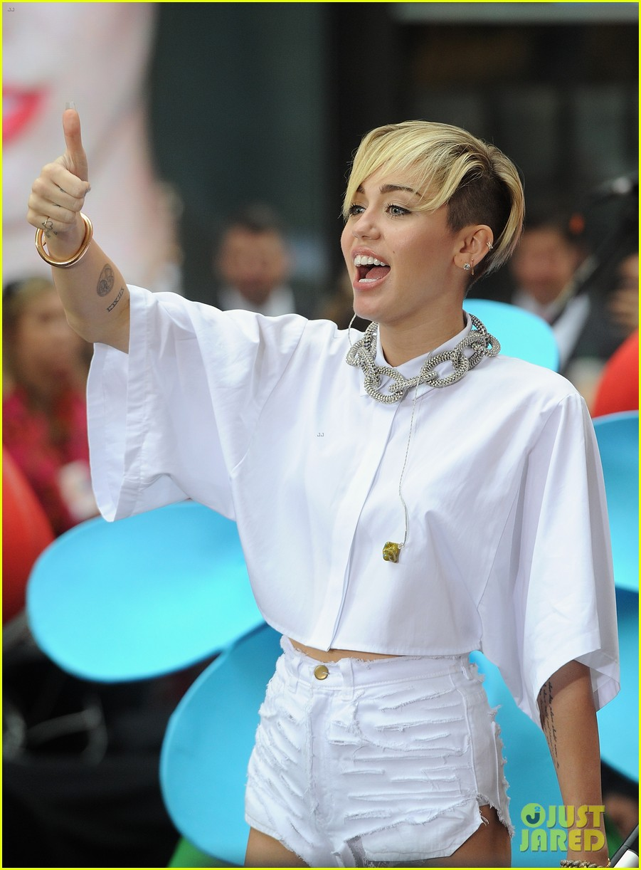 miley cyrus today show performance videos pics 122967760