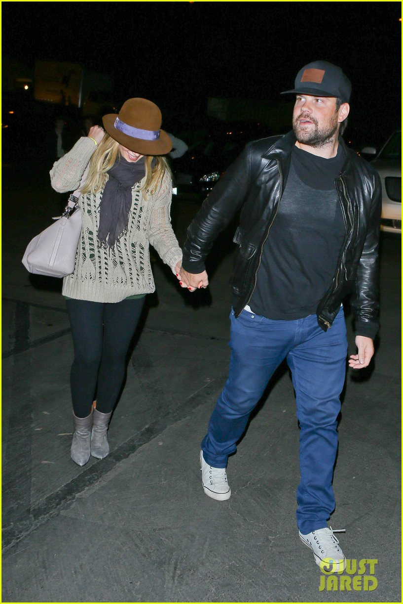 hilary duff mike comrie john mayer concert couple 08