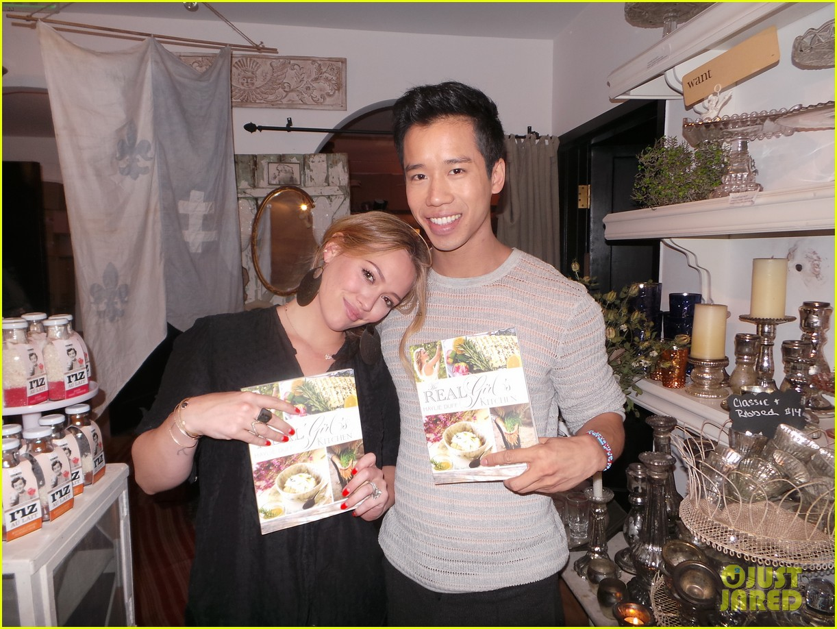 hilary duff supports sister haylie at real girls kitchen signing 022981458