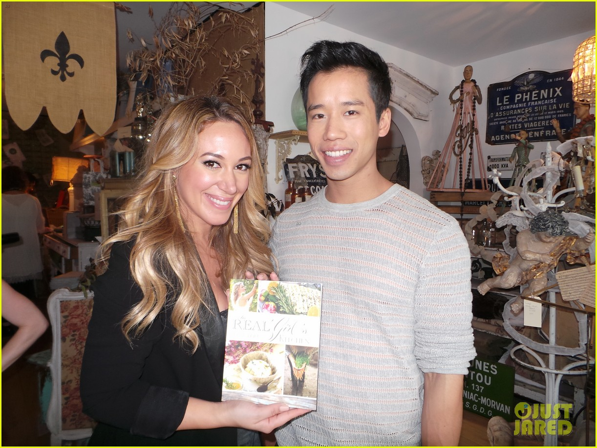 hilary duff supports sister haylie at real girls kitchen signing 08