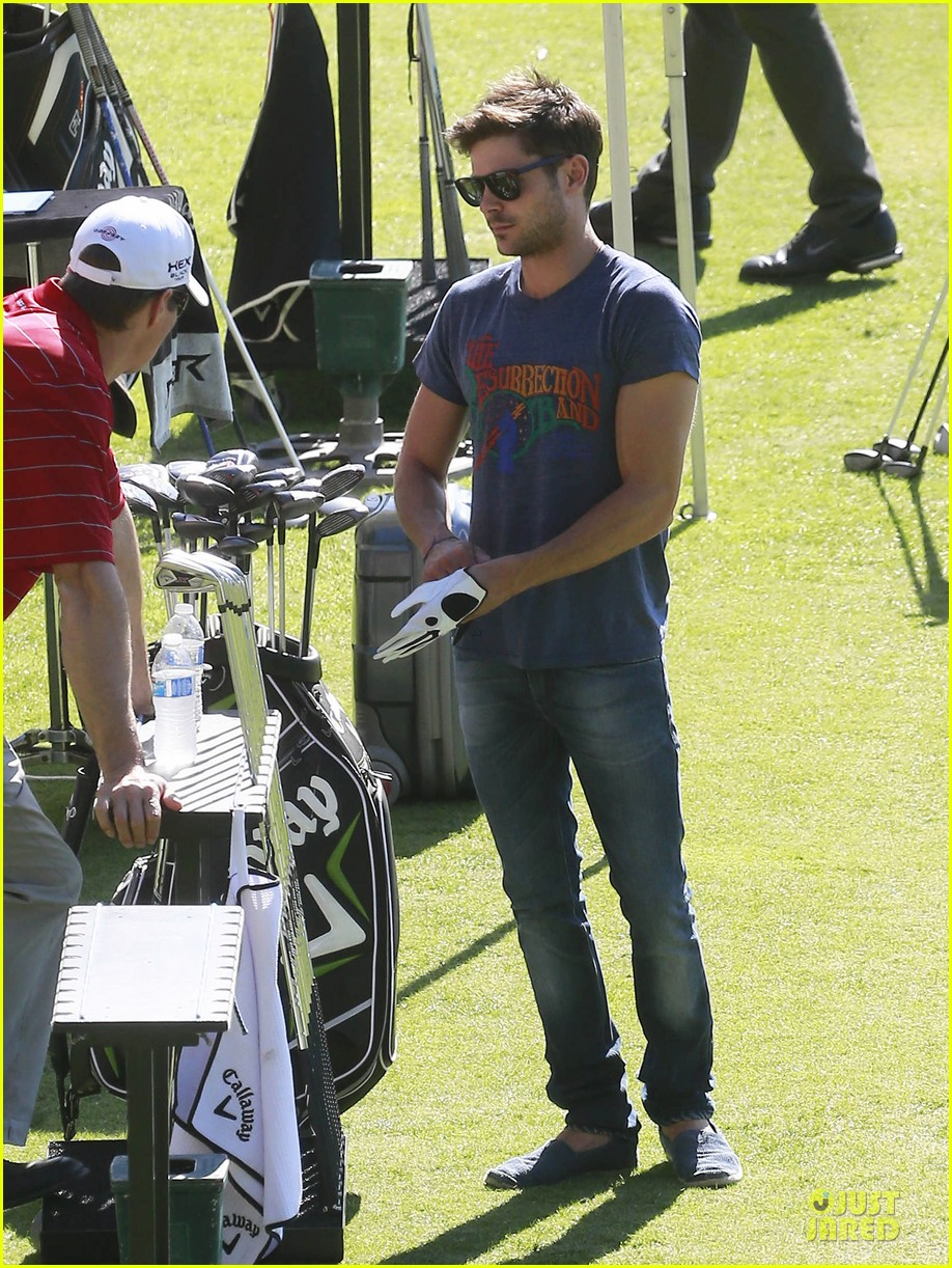 zac efron golfs for 26th birthday celebration 012974911