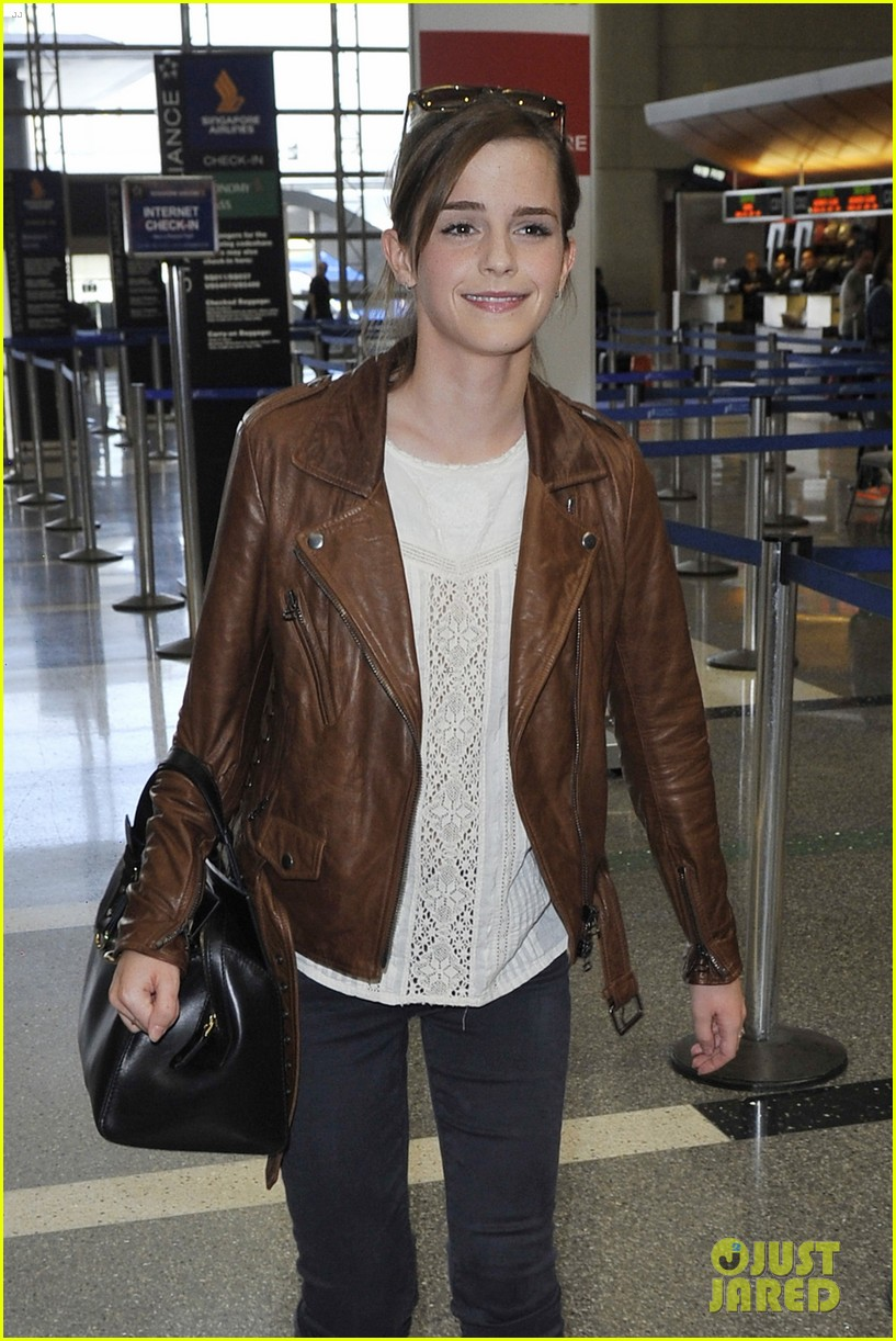 emma watson flies out of los angeles 062977924