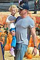 eric dane rebecca gayheart mr bones pumpkin patch visit 02
