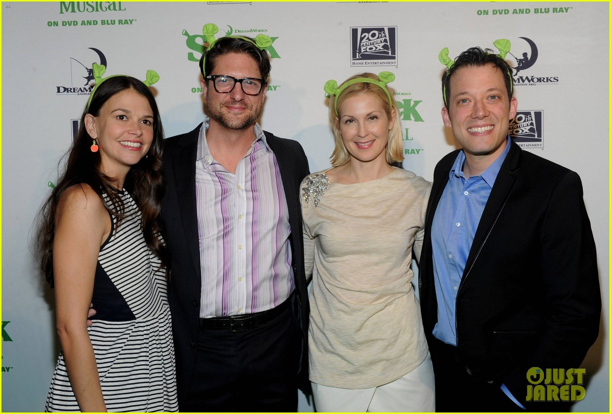 sutton foster launches shrek the musical dvd 19