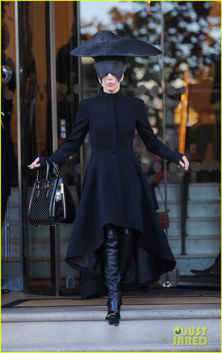 lady gaga steps out in london after puppy alice dies 01
