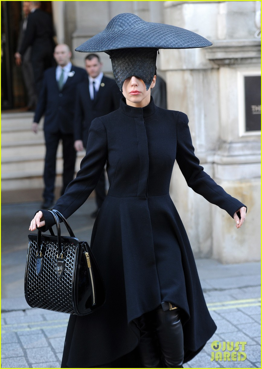 lady gaga steps out in london after puppy alice dies 03