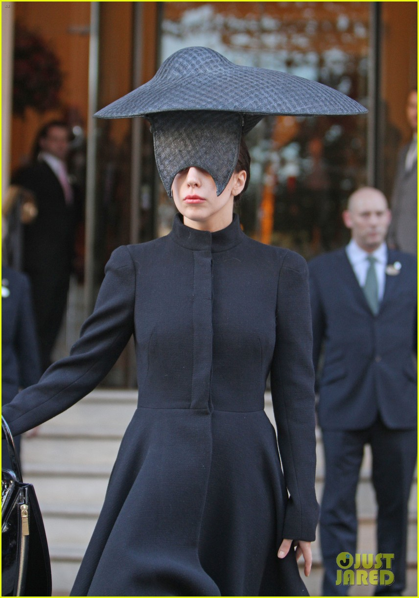 lady gaga steps out in london after puppy alice dies 112982870