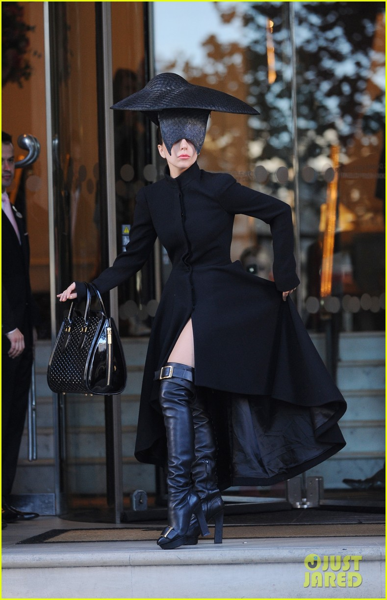 lady gaga steps out in london after puppy alice dies 15