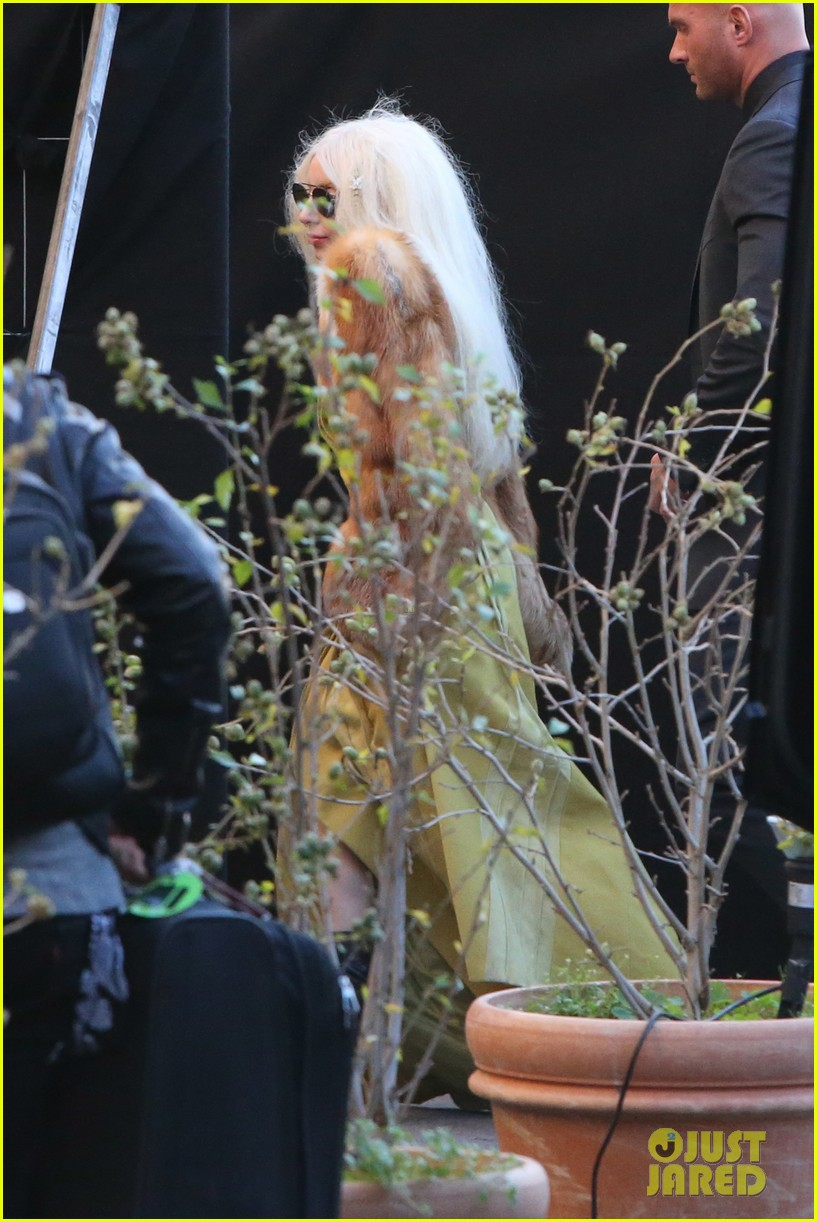 lady gaga wears furry headpeice for artpop promo 03