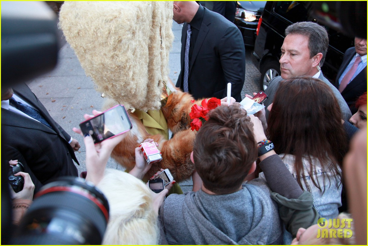 lady gaga wears furry headpeice for artpop promo 06