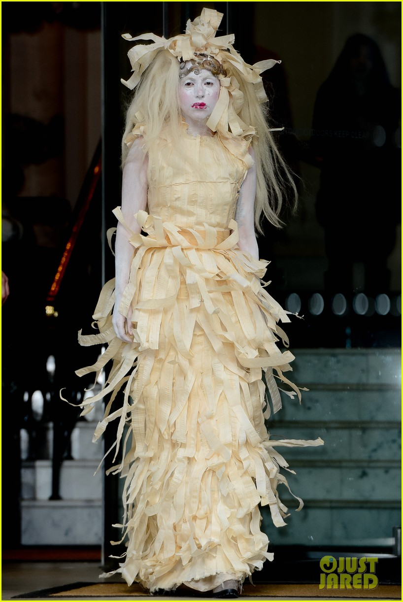 lady gaga steps out in full face powder interesting dress 05