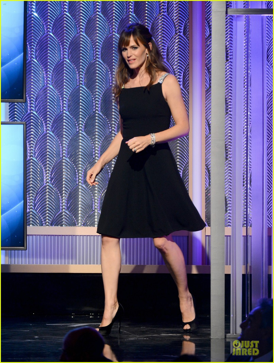 jennifer garner julia roberts hollywood film awards 2013 01