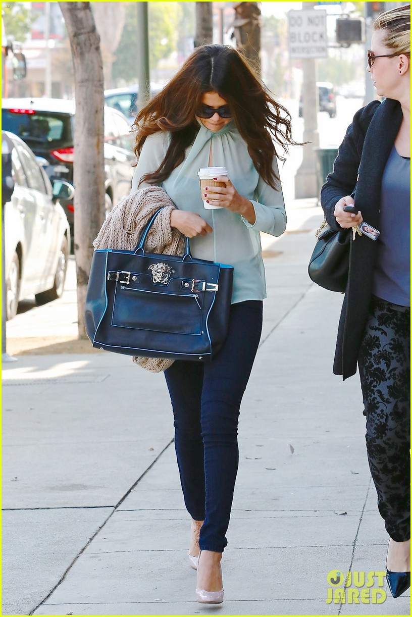 selena gomez grabs coffee with mom mandy 192965356
