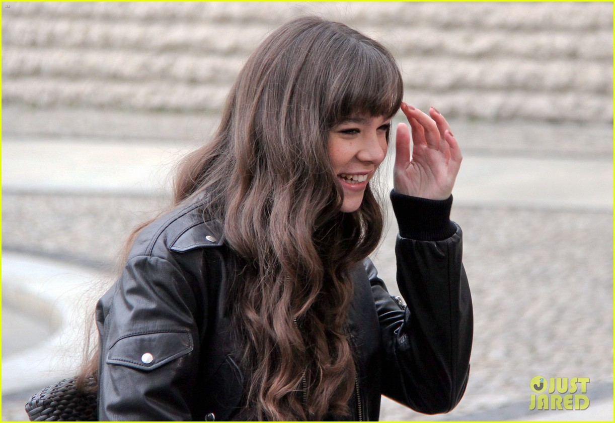 hailee steinfeld harrison ford first enders game clip watch 37