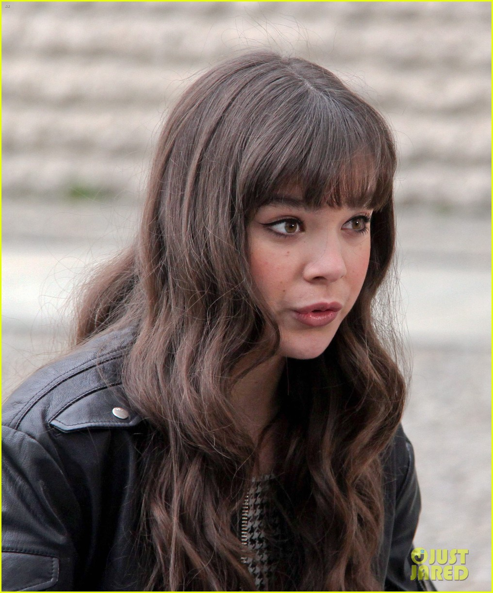 hailee steinfeld harrison ford first enders game clip watch 39