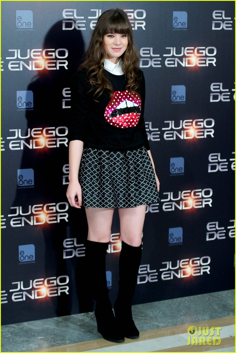 Hailee Steinfeld: 'Ender's Game' Madrid Photo Call!: Photo 2965527 | Asa Butterfield, Ben Kingsley, Hailee Steinfeld, Harrison Ford Pictures | Just Jared