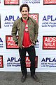 justin hartley goes shirtless revenge stars attend aids walk 14