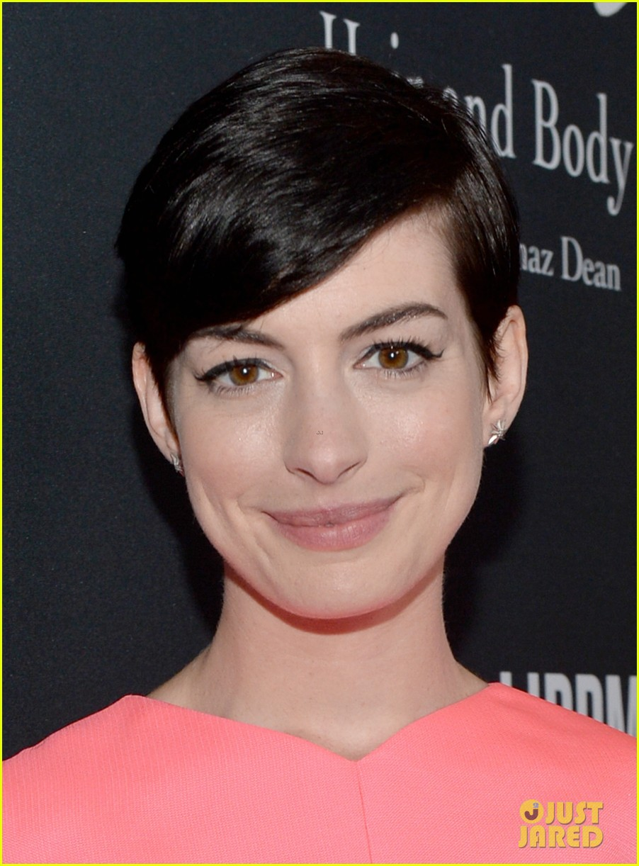 Anne Hathaway & Kate Beckinsale: Pink Party People!: Photo 2975296 ...