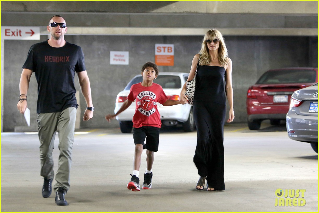 heidi klum lands in nyc after la hospital visit 08