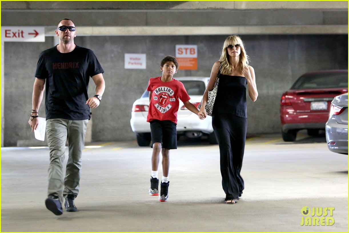 heidi klum lands in nyc after la hospital visit 09