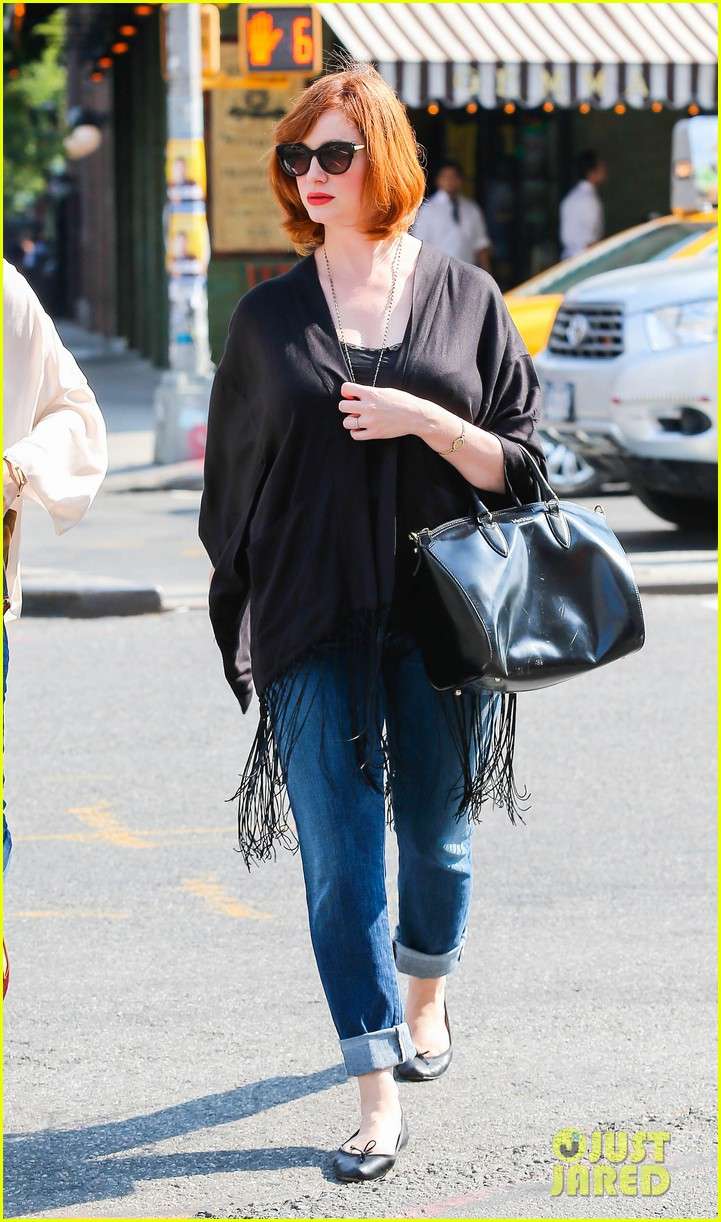 christina hendricks is tres chic in the big apple 09
