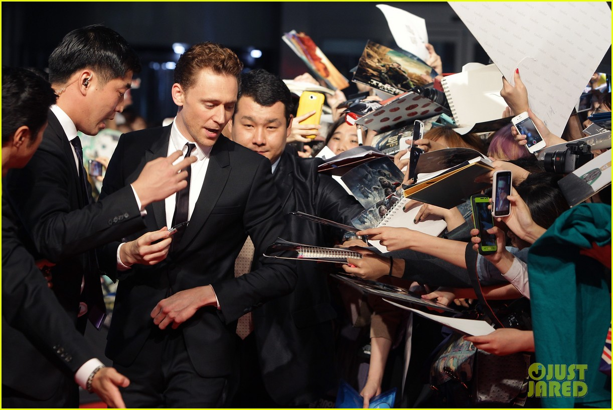 tom hiddleston thor the dark world south korea premiere 11