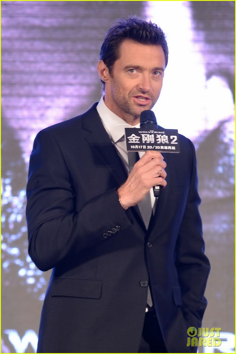 hugh jackman premieres the wolverine in china 22