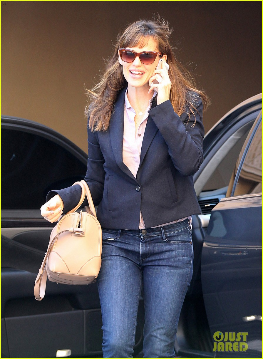 jennifer garner beverly hills business meeting 03