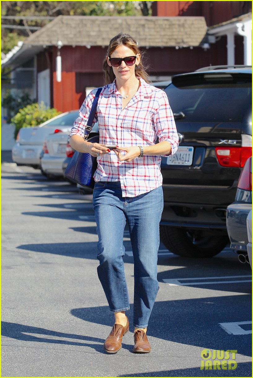jennifer garner brentwood birthday party with seraphina 042975816