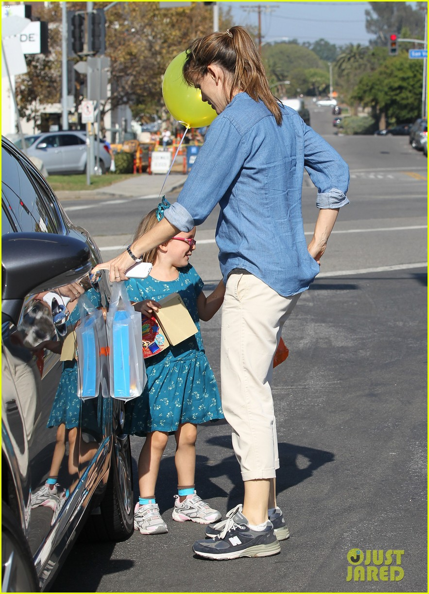 jennifer garner brentwood birthday party with seraphina 222975834