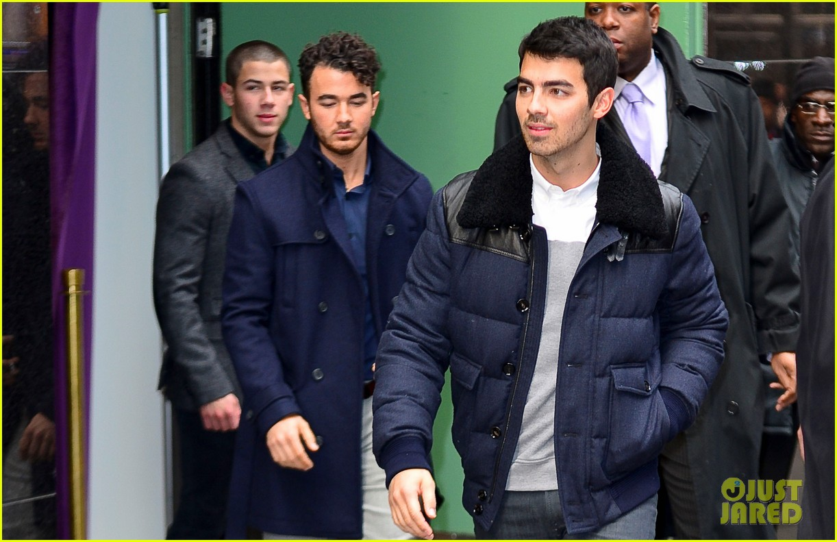 jonas brothers break up trio reunite to explain on gma 03