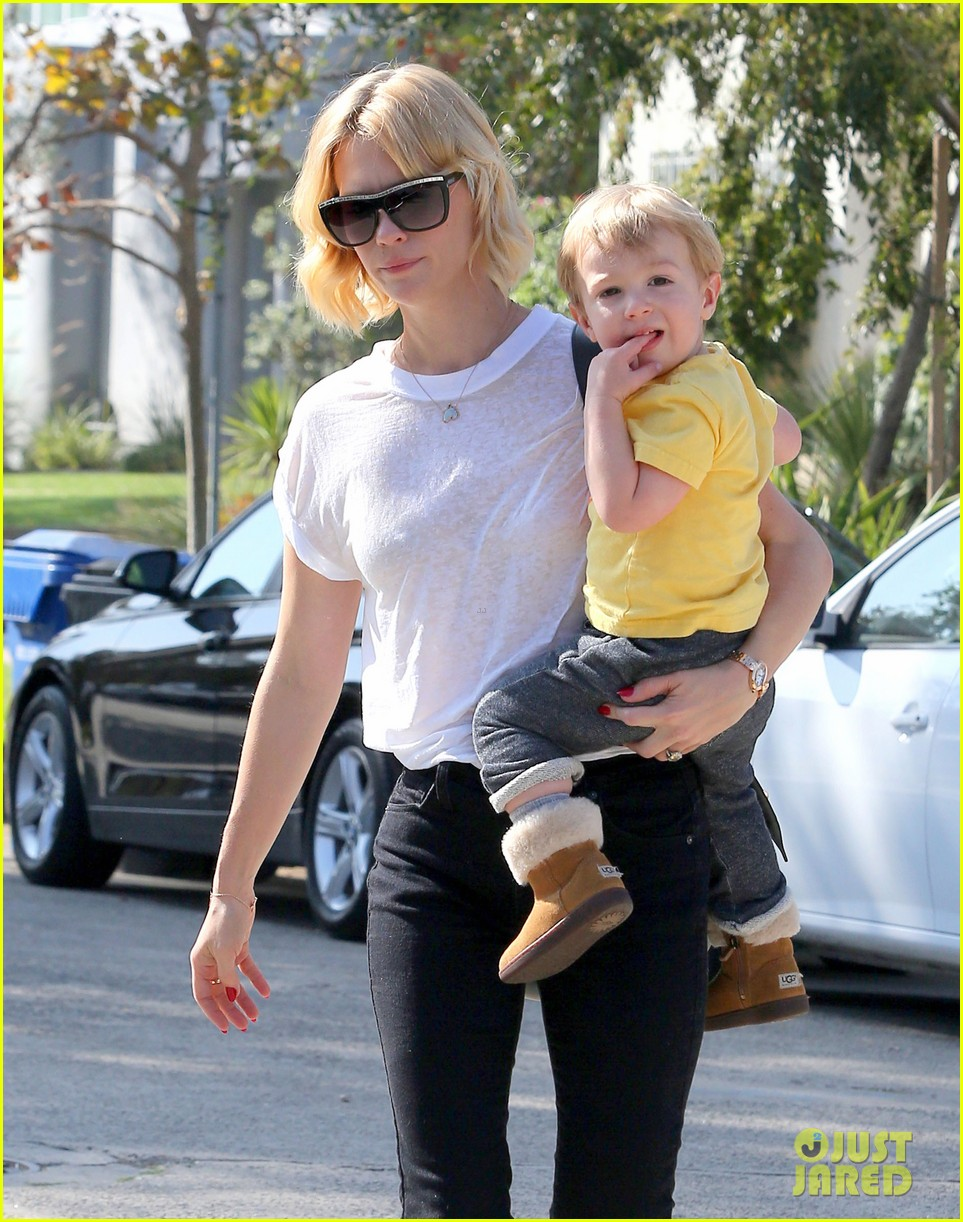 january jones gets in quality time with her son xander 132977682