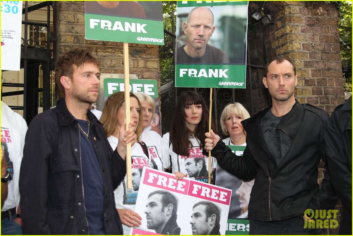jude law free 30 greenpeace demo 062966426