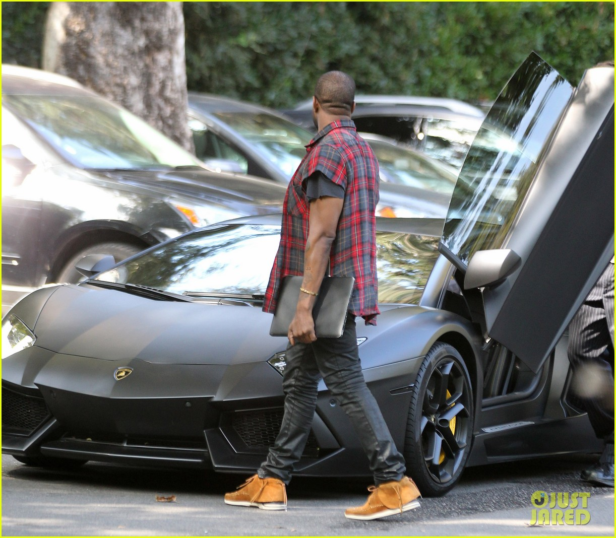 kanye west steps out after kim kardashian engagement 05