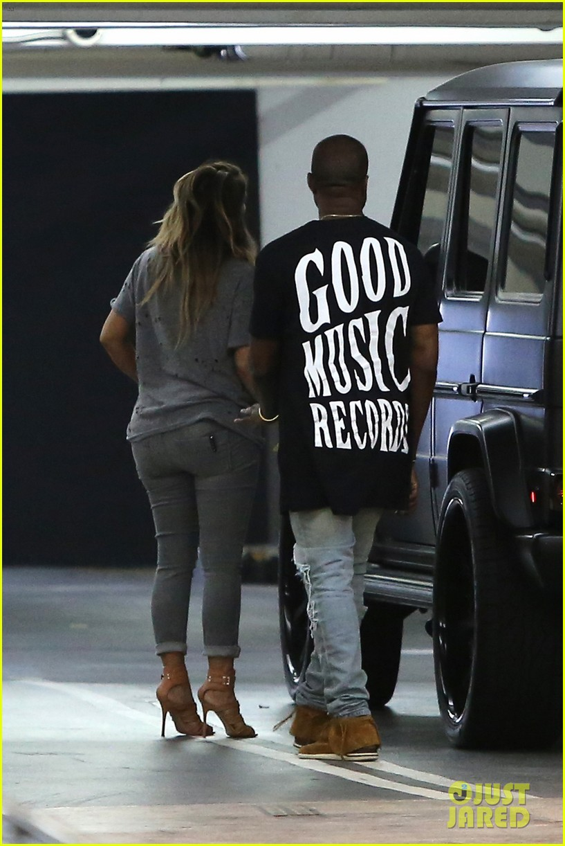 kimkardashian kanye west go casual for sunday dinner 042981793