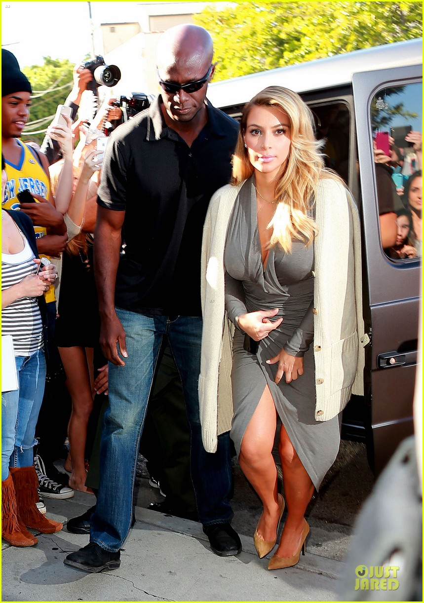 kim kardashian kylie jenner dash store visit 062970273