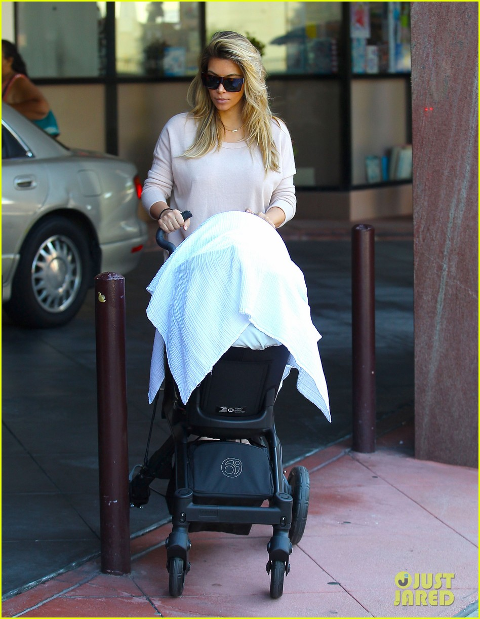 kim kardashian kanye west take north west to doctor 012969669