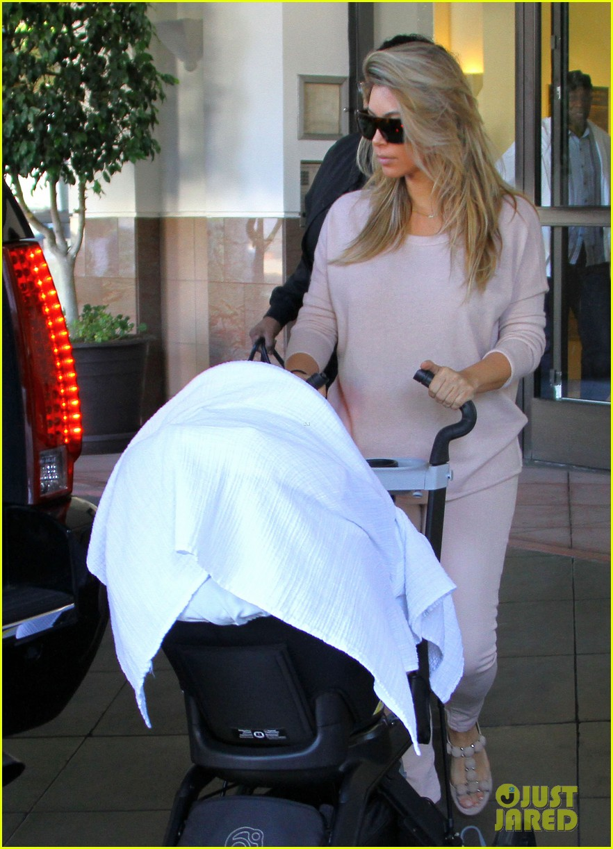 kim kardashian kanye west take north west to doctor 032969671